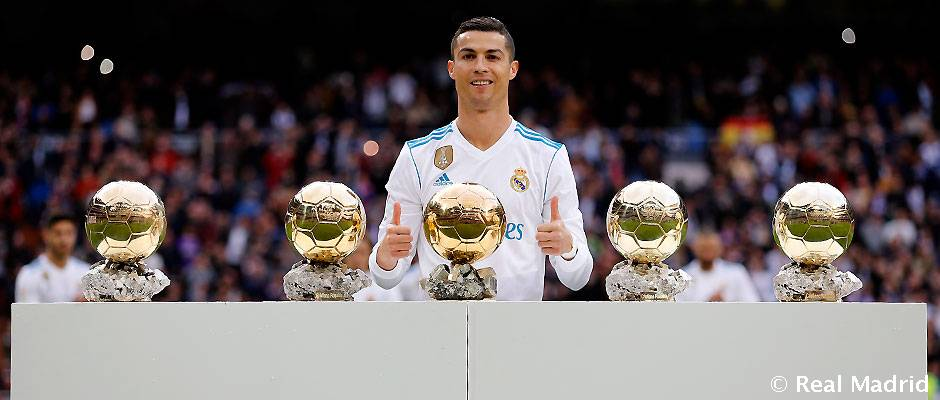 Cristiano Ronaldo vynechal Ballon d'Or, aby si prevzal iné ocenenie