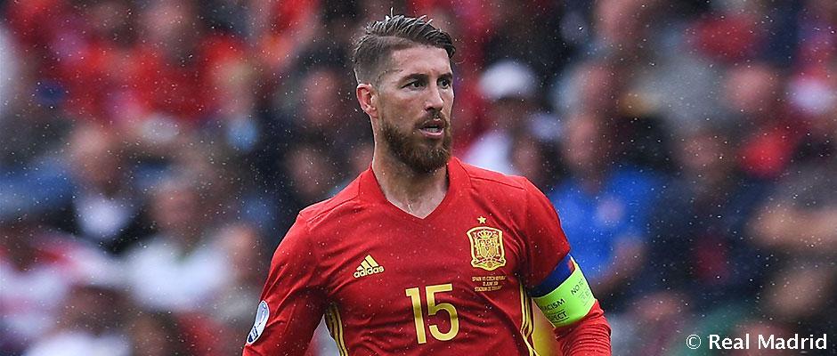 """Ramos: """"Chýba už len, aby Firmino povedal, že dostal nádchu po tom, čo na neho padla kvapka môjho potu."""""""