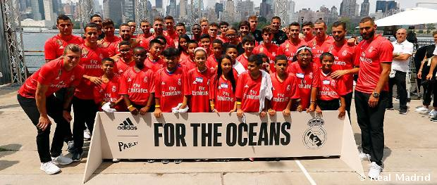 Real Madrid predstavil tretiu sadu dresov. Sú vyrobené z plastov, ktoré vylovili z oceánov