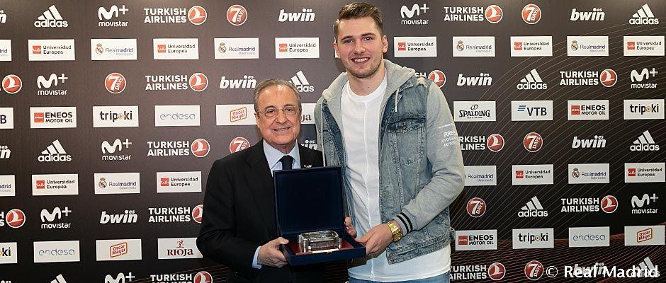 Luka Doncic sa vrátil do Madridu, aby podporil bývalých spoluhráčov